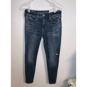 American Eagle 🦅 Skinny Jeans SIZE 4 REGULAR